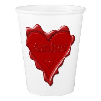 Ambarino. Sello rojo de la cera del corazón con el Vaso De Papel