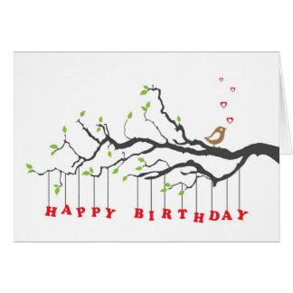 Ame el pájaro en tarjeta del feliz cumpleaños de