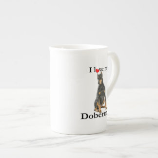 Ame mi taza de la porcelana de hueso del Doberman