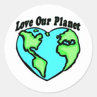 Ame nuestro planeta pegatina redonda