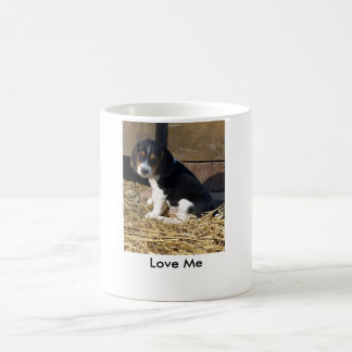 Ámeme - perrito lindo del beagle Snoopy Taza De Café