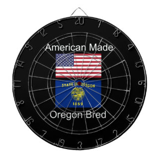 """""""Americano llevado. Oregon crió"""" banderas y Tablero Dardos"""