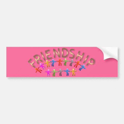 Amistad, niños que llevan a cabo diseño de las man etiqueta de parachoque