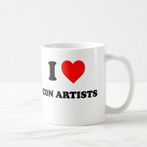 Amo a artistas de estafa tazas