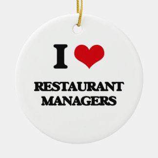Amo a encargados del restaurante ornamente de reyes