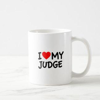 Amo a mi juez taza de café