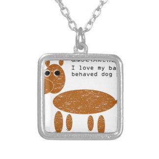 Amo a mi mascota gravemente comportado del perro colgantes personalizados