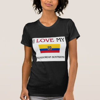 Amo a mi novio ecuatoriano camiseta