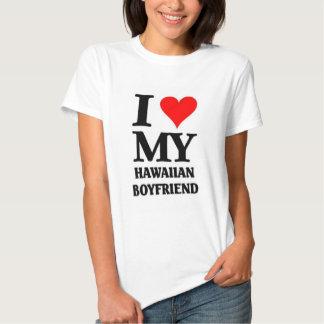 Amo a mi novio hawaiano camisetas