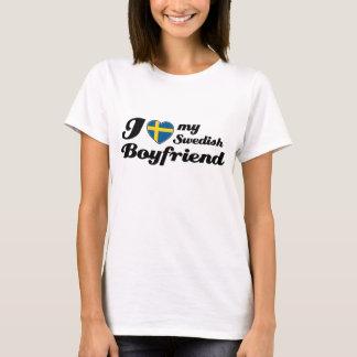 Amo a mi novio sueco camiseta