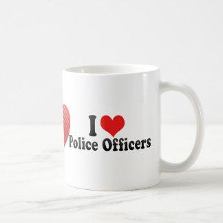 Amo a oficiales de policía taza básica blanca