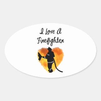 Amo a un bombero pegatina ovalada