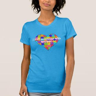 """""""Amo alguien con autismo """" Camiseta"""