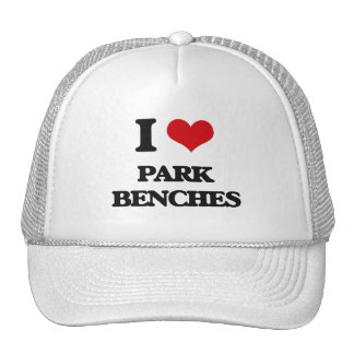Amo bancos de parque gorra