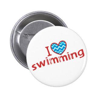 Amo (corazón) nadar chapa redonda de 5 cm