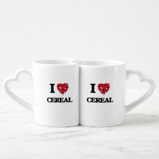Amo diseño de la comida del cereal tazas para enamorados
