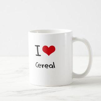 Amo el cereal taza clásica