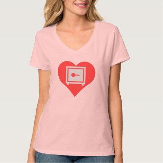Amo el diseño casero de las cajas fuertes camisetas