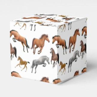 Amo las cajas del favor de los caballos