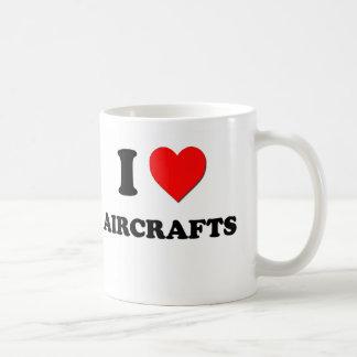 Amo los aviones taza clásica