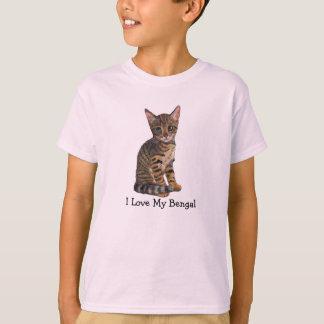 Amo mi Bengala, gatito, gato en lápiz del color Camiseta