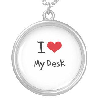 Amo mi escritorio grimpolas