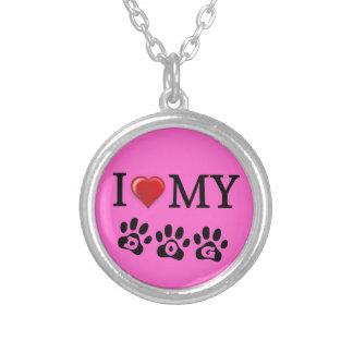 Amo mi fondo del rosa del collar del perro