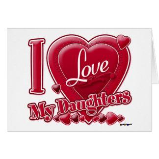 Amo mi rojo de las hijas - corazón tarjeta de felicitación