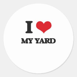 Amo mi yarda pegatina redonda