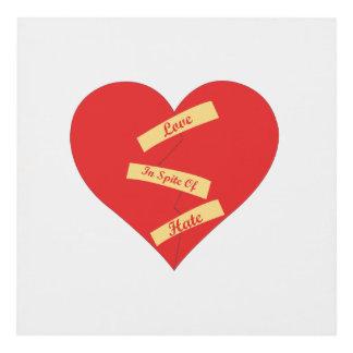 Amor a pesar del panel de pared del odio