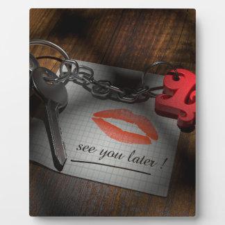 Amor de la cerradura del labio placa expositora