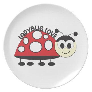 Amor de la mariquita plato de comida