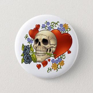 Amor del cráneo - cráneos, rosas y corazones por chapa redonda de 5 cm