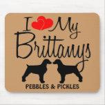 Amor del personalizado I mis dos Brittanys Alfombrillas De Ratones