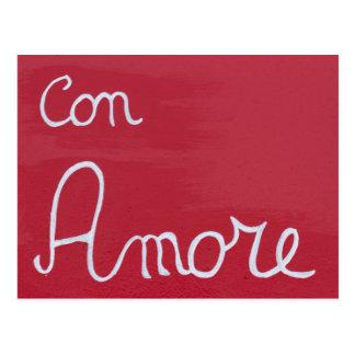 amor escrito en la madera roja postal