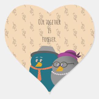 Amor retro de los pájaros del ejemplo junto para pegatina en forma de corazón