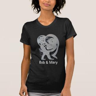 Amor sin fin de la caricatura de Bob y de Maria Camisetas