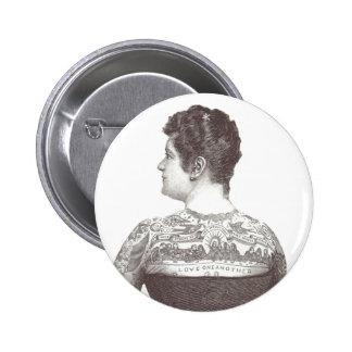"""""""Amor uno otro"""" mujer tatuada del Victorian Pin"""