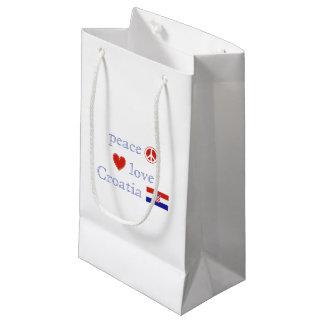 Amor y Croacia de la paz Bolsa De Regalo Pequeña