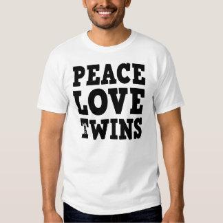Amor y gemelos de la paz camiseta