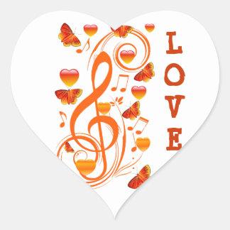Amor y mariposas, notes_ de la música pegatina en forma de corazón