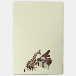 Amores dulces de la jirafa para jugar el piano notas post-it®