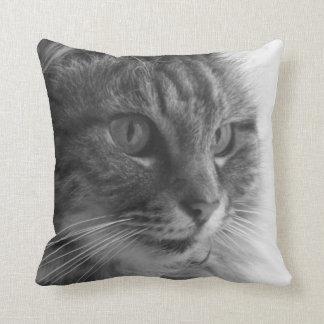Amortiguador lindo del monocromo del gato cojín decorativo