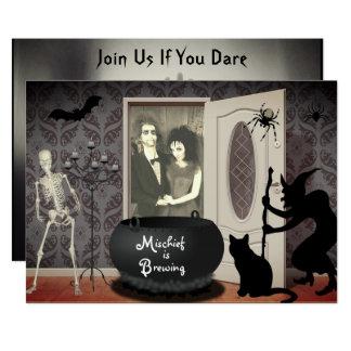 Añada su invitación de Halloween de la casa