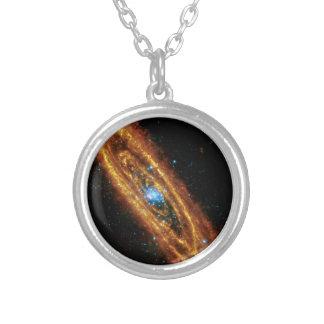 Andromeda en radiografía e infrarrojo colgante redondo