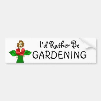 """Ángel del jardín """"estaría cultivando un huerto pegatina para coche"""