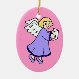 Ángel del navidad que canta un himno adorno de navidad