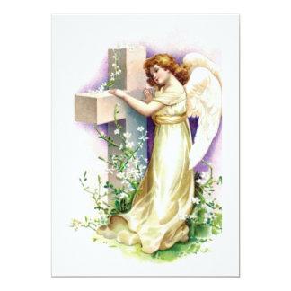 Ángel del vintage con la cruz cristiana invitación 12,7 x 17,8 cm