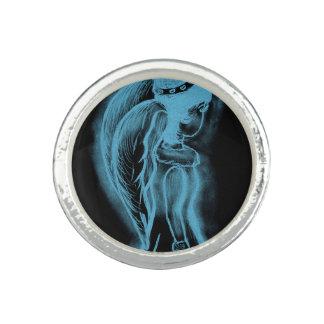 Ángel oblicuo invertido en negro y azul claro anillo con foto