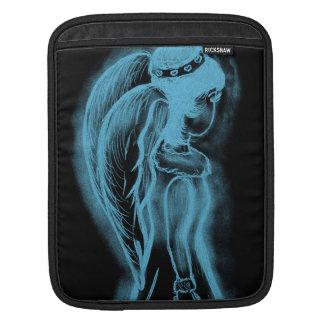 Ángel oblicuo invertido en negro y azul claro funda para iPad